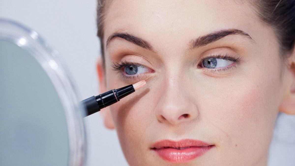 6 sai lầm khi che khuyết điểm quầng thâm mắt liệu bạn đã biết?